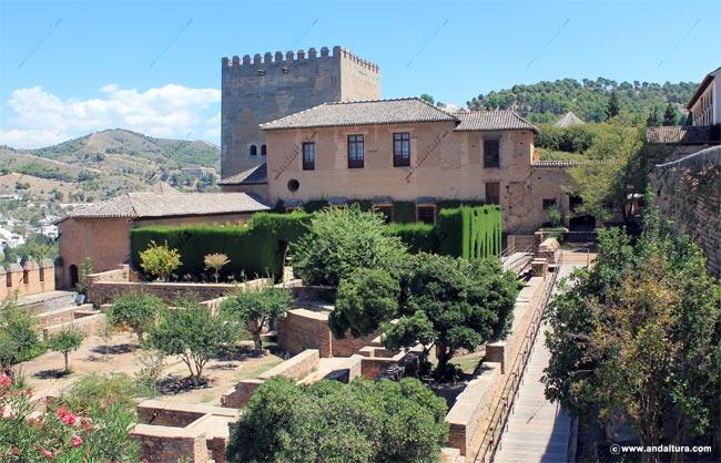 Entrada a los Palacios Nazaríes
