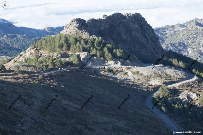 "Curvas de herradura en la antigua ""Carretera de la Sierra"""