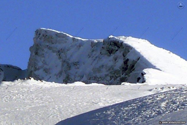 Veleta, coronando la Estación de Esquí Sierra Nevada