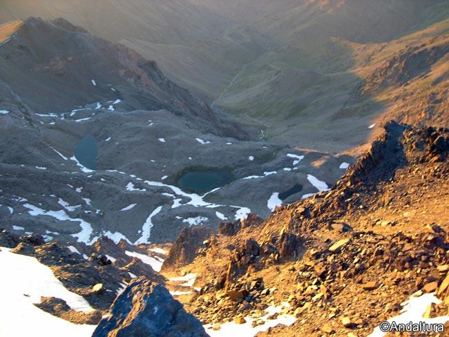 Atardece en el Valle del Genil, con la Laguna de la Mosca, Juego de Bolos y la laguna del mismo nombre