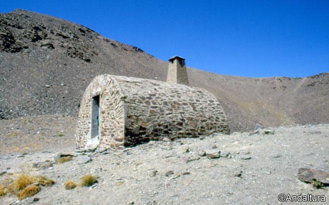 Refugio del Caballo y Vereda hacia el Collado