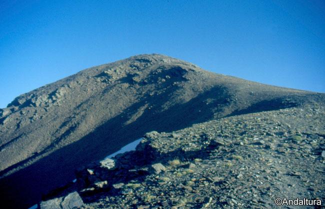 Loma para ascender al Cerro del Caballo, desde el Collado con Tajos Altos