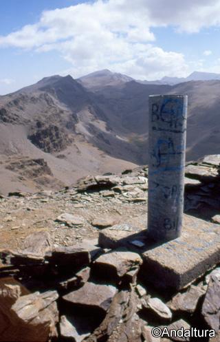 Vertice del Cerro del Caballo, Veleta, Alcazaba y Mulhacen