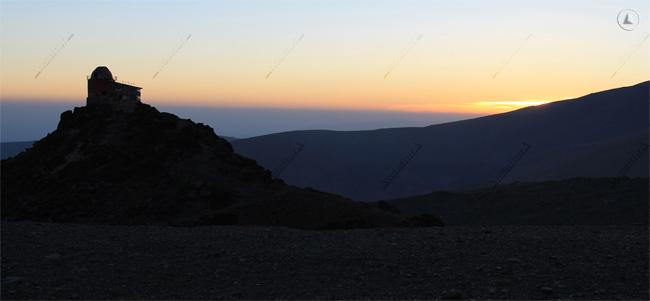 Ruinas del Observatorio Astronómico del Mojón del Trigo, al amanecer