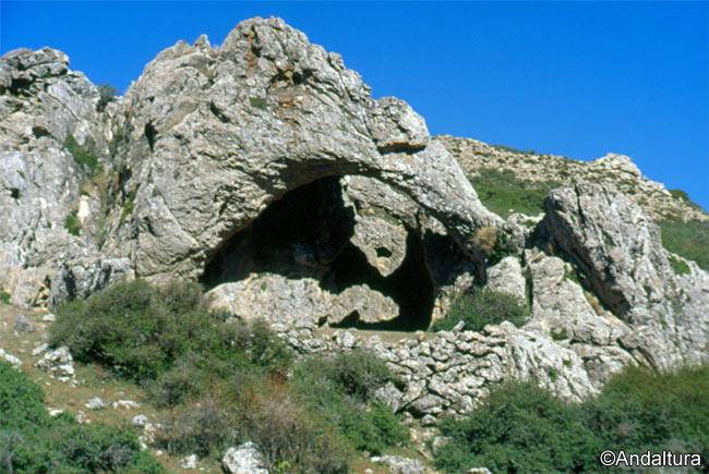 Cueva Bermeja o Cueva de los Arcos