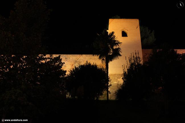 Torre Baltasar de la cruz, ruta nocturna por la Alhambra y el Generalife