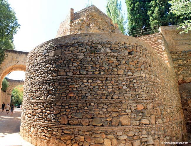 Baluarte y restos de la Torre del Cabo de la Carrera