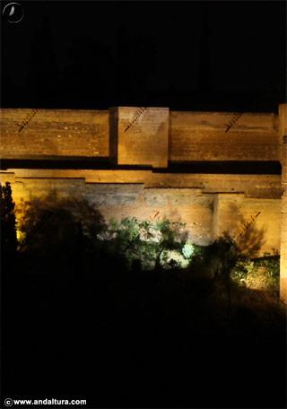 Murallas y Torre de Alquiza nocturno
