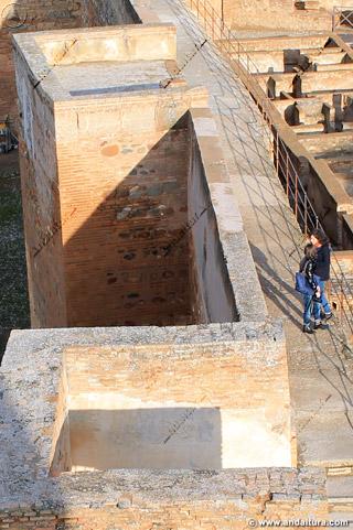 Paseo del Adarve y terraza de la Torre de Alquiza