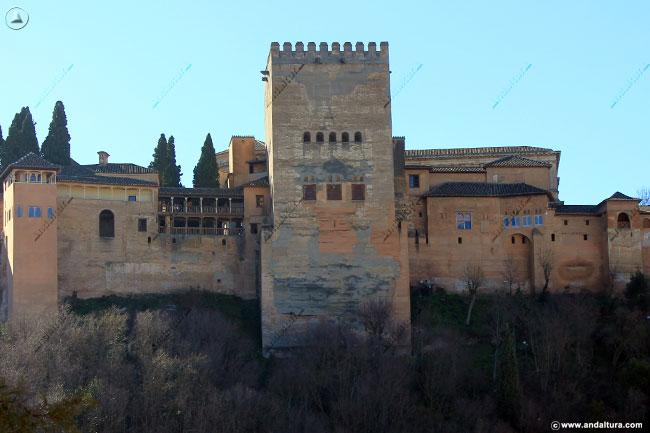 Peinador de la Reina, Torre de Comares, Oratorio del Mexuar y Torre de Machuca