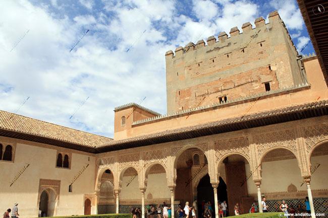 Torre de Comares y Patio de Arrayanes