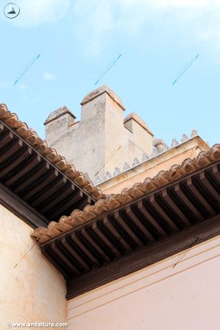 Torre de Comares desde el Patio del Cuarto Dorado