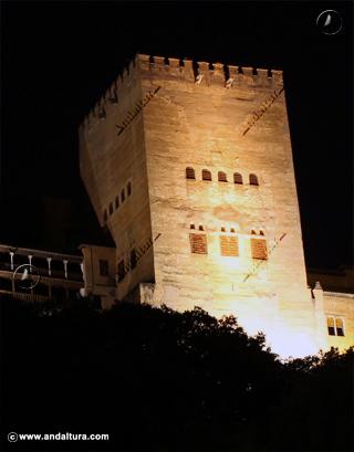 Torre de Comares nocturna