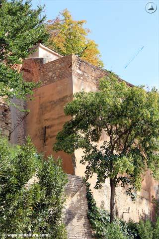 Lateral de la Torre de la Barba