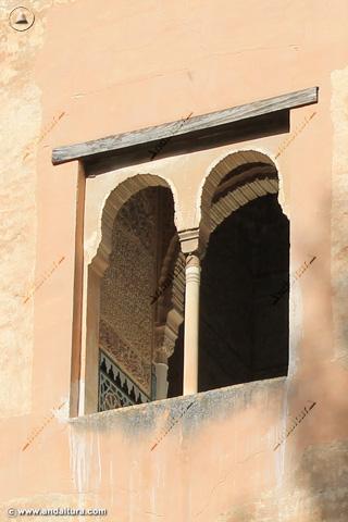Detalle Ventana de la Torre de la Cautiva