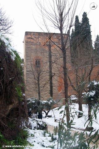 Torre de la Cautiva nevada