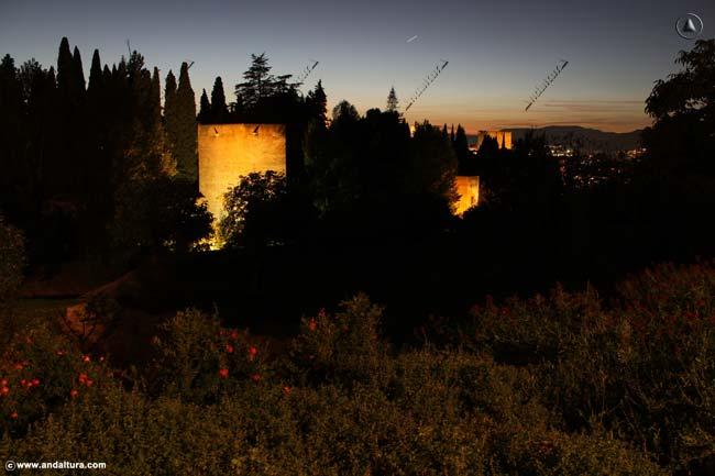 Torre de la Cautiva nocturna