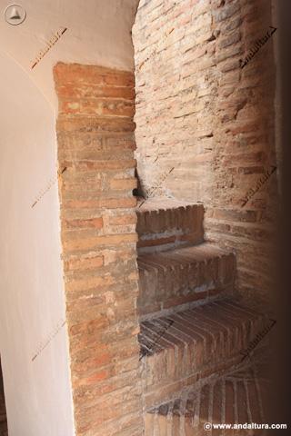 Escaleras para acceder a la Terraza de la Torre de la Pólvora