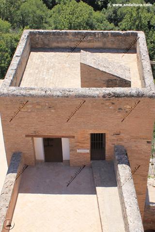 Torre de la Pólvora desde la Torre de la Vela