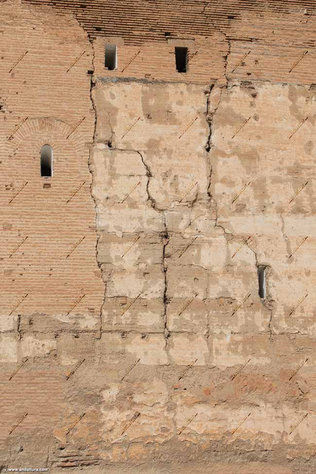 Detalle exterior de la Torre de la Vela