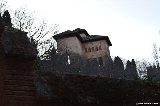 Torre de las Damas desde la Cuesta de los Chinos