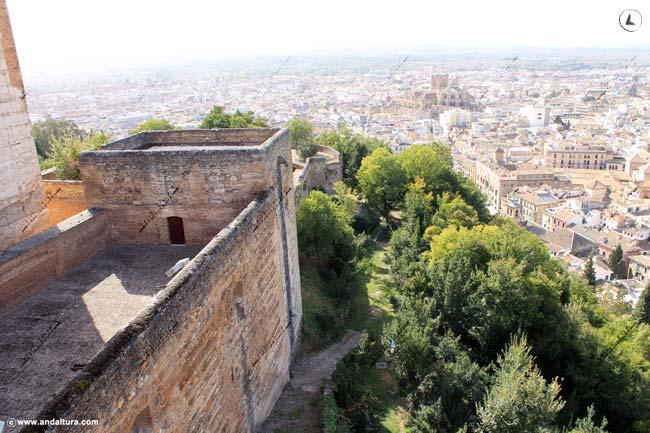 Torre de los Hidalgos y Granada
