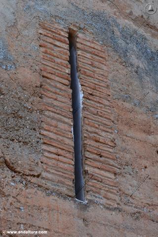 Aspillera de la Torre de los Picos