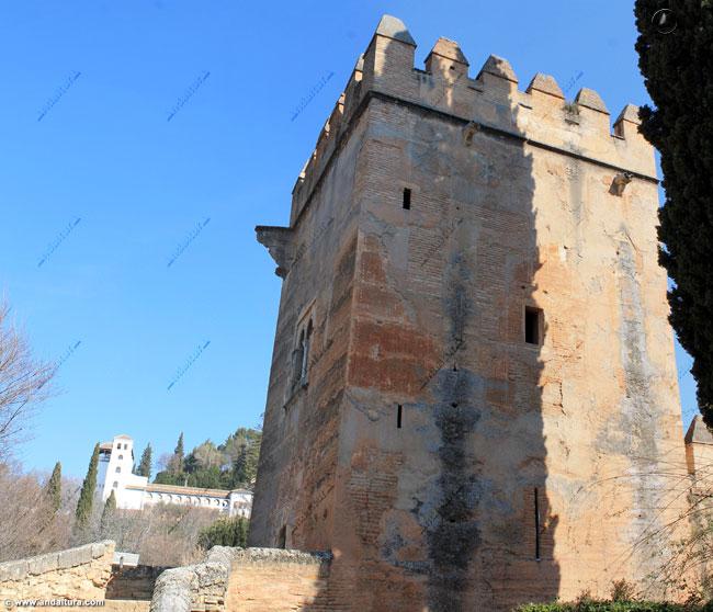 La Torre de los Picos y el Generalife al fondo