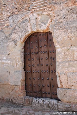 Puerta de entrada a la Torre de los Picos
