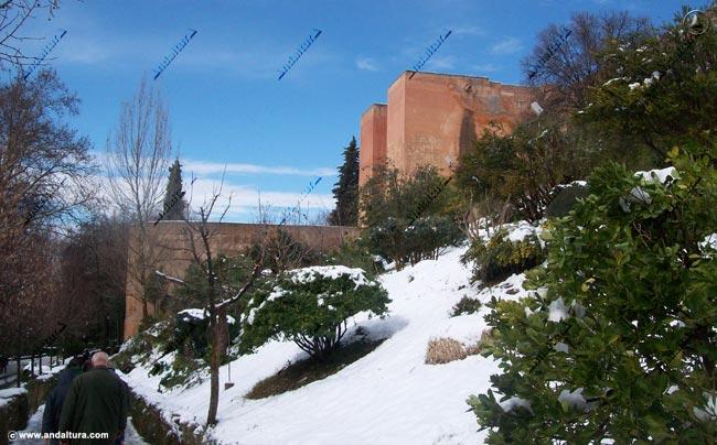 Torre de los Siete Suelos nevada