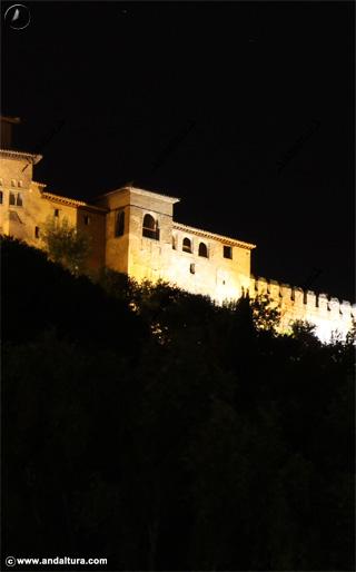 Torre de Machuca nocturna
