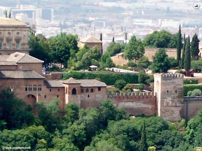 Visión General Placeta de Carlos V y Torre de Machuca y de Muhammad