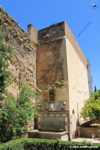 Jardin y Torre del Adarguero