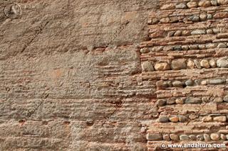 Distintos materiales en las reconstrucciones de la Torre del Agua