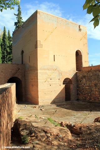 Torre del Agua desde Medina