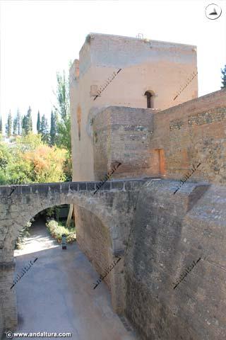Torre del Agua y Acueducto desde el Puente Nuevo