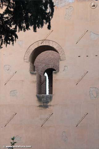 Detalle ventana de la Torre del Agua