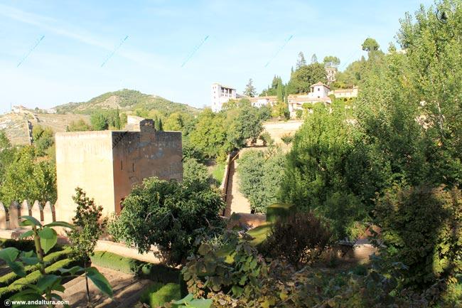 Torre del Cadí desde el Paseo de las Torres
