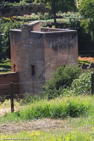 Torre del Cadí y huertos desde el Generalife