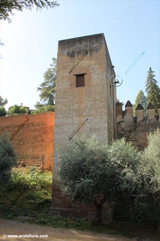 Torre del Cadí desde el Paseo de los Chinos