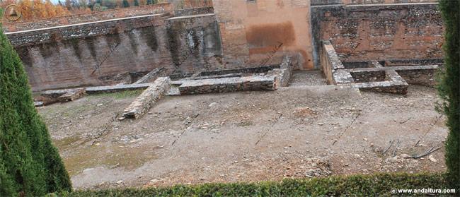 Viviendas Nazaríes en la base de la Torre del Capitán, en la Medina