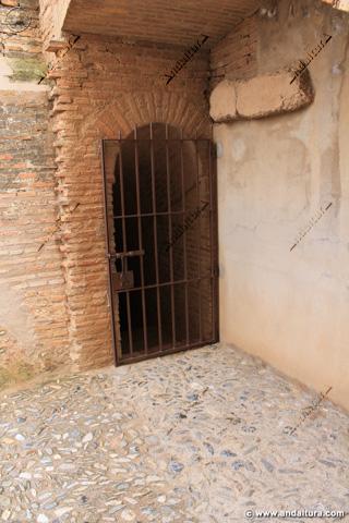 Puerta de bajada a la Calle del Foso y a la Puerta de la Tahona