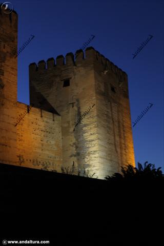 Anocheciendo en la Torre del Homenaje