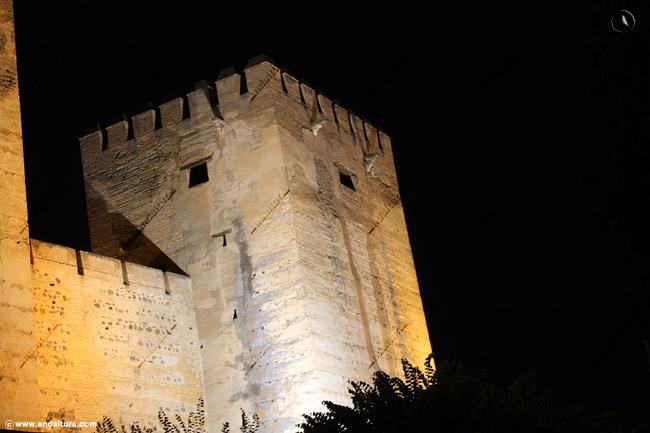 Torre del Homenaje nocturno
