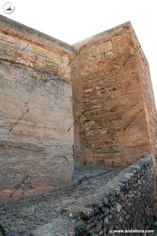 Entrada a la Plaza de Armas y Torre del Criado del Doctor Ortiz