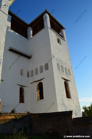 torre-de-ismael-en-su-base