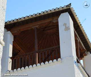 Terraza con tejado de la Torre de Ismael