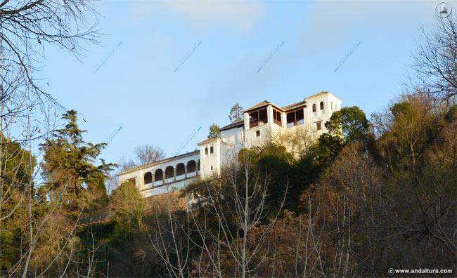Torre de Ismail desde el Paseo de los Tristes