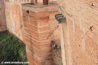 Muralla, torre y Casas Nazaríes