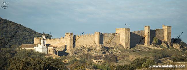 Castillo e Iglesia de Santa Olalla del Cala